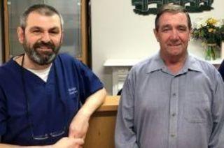 66-ти летнему пациенту Дэвиду Олдхему внезапно стало плохо в к...