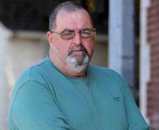 Стоматолог из госпиталя Святого Дэвида, Кардифф, Уэльс, отказал...