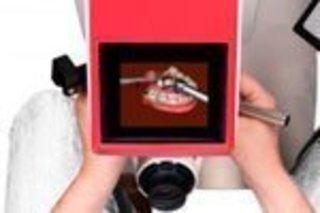 В Университете Лидса студенты-стоматологи первыми в Великобритани...