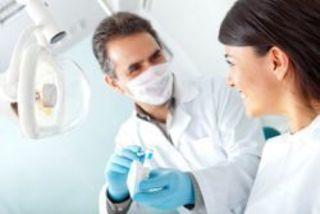 Первое впечатление, которое сложится у пациента о стоматологе, мо...